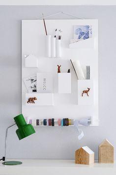 Mit dieser tollen DIY Anleitung könnt ihr euch ein großartiges Wandutensilo für Eure Wohnung basteln. #Ordnung #Aufbewahrung #Storage