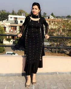 Untitled Salwar Designs, Kurta Designs Women, Kurti Designs Party Wear, Lehenga Designs, Mehndi Designs, Latest Pakistani Dresses, Pakistani Outfits, Indian Outfits, Ethnic Outfits