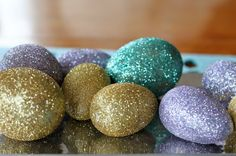 Tigerlilly Quinn: DIY Glitter Eggs