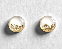 WHITE & Gold Leaf Round Stud Earrings Circle Floral Bridal Jewelry Bridesmaid Gift Present Glass Like Pearls Resin Elegant Gift / Amoorella Geode Jewelry, Resin Jewelry, Fine Jewelry, Diy Resin Earrings, Jewellery Box, Unique Earrings, Flower Earrings, Stud Earrings, Circle Earrings