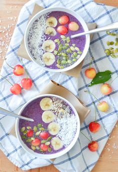 11 des fruits et des legumes smoothie bowl muffin myrtille-2 Healthy Breakfast Smoothies, Vegan Smoothies, Smoothie Recipes, Detox Recipes, Summer Recipes, Healthy Recipes, Smothie Bowl, Brunch, Bon Dessert