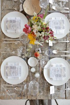 SUMMER LOVIN' FEELING | THE STYLE FILES - beautiful table setting