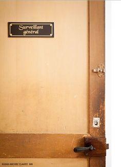 Pour quelles raisons vous êtes-vous déjà retrouvé dans le bureau du surveillant général ? Dites nous tout ! #pensionnat