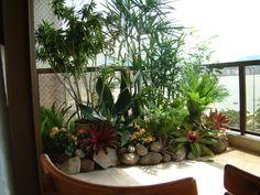 Fika a Dika - Por un mundo mejor: Winter Garden Balcony Plants, Balcony Garden, Outdoor Landscaping, Outdoor Gardens, Outdoor Decor, Balcony Design, Garden Design, Decoration Plante, Little Gardens