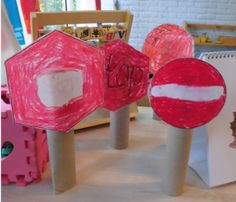 Thema Verkeer - Verkeersbord maken door juf Linda (klasvanjuflinda.nl)