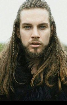 Hair Care Tips. Recommendations for excellent looking hair. Your hair is certainly what can certainly define you as an individual. To numerous people today it is definitely vital to have a fantastic hair do. Warrior Braid, Hair And Beard Styles, Long Hair Styles, Viking Men, Viking Beard, Viking Warrior, Elf Warrior, Moustaches, Gorgeous Men