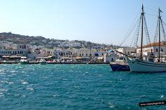 Tomamos un barco para dirigirnos a la isla sagrada de Delos, enfrente de Mykonos.