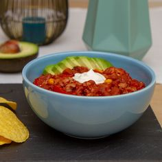 """""""Alt i ett"""" kremet kyllinggryte Tortilla Chips, Nachos, Chili, Lunch, Recipes, Spinach, Red Peppers, Chilis, Lunches"""