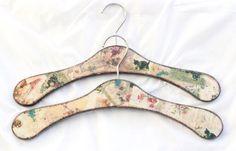 Clothes Hangers Cottage Vintage Rose Bedroom by SelenarteDecoupage