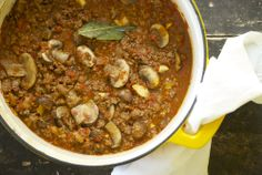 Spaghetti Sauce with Mushrooms and Garlic | Relishing It