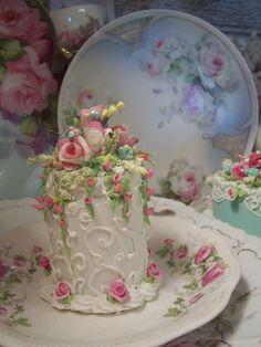 (TALLWHITE1) SHABBY COTTAGE PINK ROSE DECORATED FAKE CAKE CHARMING!!
