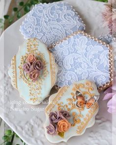 Floral and lace cookies