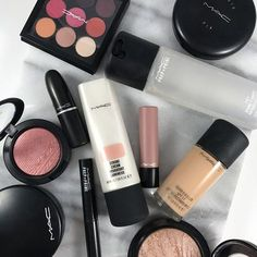 MAC COSMETICS is now available at Ulta Beauty. To celebrate here are the Top MAC Products you need to add to your collection! Mac Makeup Looks, Best Mac Makeup, Latest Makeup, Flawless Makeup, Best Mac Products, Beauty Products, Mac Makeup Products, Mac Make Up, Piercings