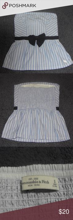 *** CUTE TOP *** ABERCROMBIE & FITCH STRIPED BLUE AND WHITE TOP  WITH NAVY BLUE BOW IN FRONT  SIZE SMALL Abercrombie & Fitch Tops