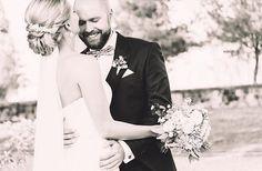 Unser wunderschöner weicher Schleier EMMA getragen von einer real Bride! Herzlichen Dank an Annette Anders Makeup aus Dresden für dieses schöne Foto vom Hochzeitspaar. www.bellejulie.de