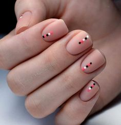 Nude with Dots Nails A universal nail style that suits anyone. Geometric nail art offers plenty of space to be creative. From lines and dots to rectangles and triangles, with its crisp lines and clever design, geometric nail art is here to stay. Square Nail Designs, Short Nail Designs, Simple Nail Designs, Simple Nail Arts, Acrylic Nails Designs Short, Gel Nail Designs, Easy Nail Art, Simple Art, Solid Color Nails