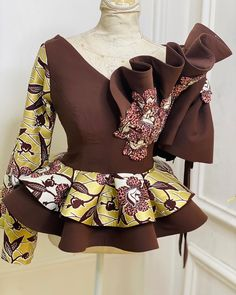 Top-Rated Ankara Tops Ideas That Trends Globally – - African fashion Latest Ankara Dresses, Latest African Fashion Dresses, African Dresses For Women, African Fashion Ankara, African Print Fashion, African Attire, Ghanaian Fashion, Ankara Peplum Tops, Ankara Blouse