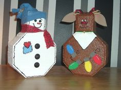 Snowman And Reindeer Pavers Photo: This Photo was uploaded by pstarkoski. Find other Snowman And Reindeer Pavers pictures and photos or upload your own . Painted Bricks Crafts, Brick Crafts, Painted Pavers, Christmas Crafts For Kids, Outdoor Christmas, Holiday Crafts, Holiday Fun, Holiday Decor, Craft Font