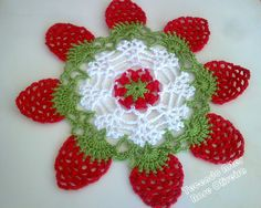 Tecendo Artes em Crochet: Encomenda de Toalhinhas Concluída Crochet Home, Free Crochet, Crochet Strawberry, Crochet Ripple, Crochet Dollies, Crochet Tablecloth, Thread Crochet, Doilies, Decoration