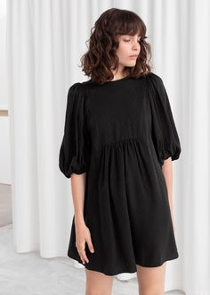 Jacquard Puff Sleeve Mini Dress - Black - Printed dresses - & Other Stories Knit Fashion, Love Fashion, Fashion Looks, Dress Fashion, Midi Dresses Online, Mini Dress With Sleeves, Black Midi Dress, Fashion Story, A Line Skirts