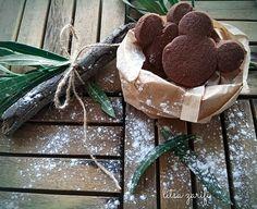 Μπισκότα σοκολάτας Biscuit Donuts, Chocolate Biscuits, Dairy Free, Snacks, Cookies, Ethnic Recipes, Crafts, Food, Chocolate Wafers