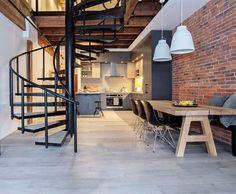 Com jeito de um antigo galpão industrial revitalizado ❣️ A gente ama essa pegada! Por P22D Architecture #design #interiordesign #industrialstyle