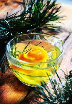 herbatka z sosny i pomarańczy