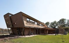 Casa Munita Gonzalez / Arias Arquitectos + Surtierra Arquitectura