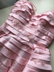 Like the variable stripes and occasional bling Dior Couture, Couture Dresses, Couture Fashion, Embroidery Fashion, Embroidery Dress, Couture Details, Fashion Details, Designer Wear, Designer Dresses