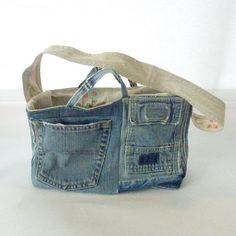 Bolso con tejanos reciclados