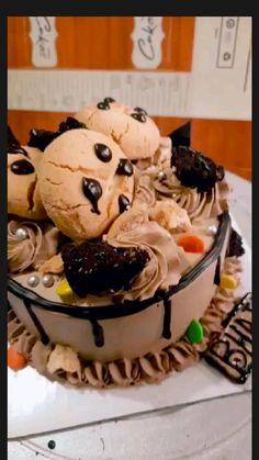Cake Videos, Chocolate Cake, Desserts, Cakes, Food, Chicolate Cake, Tailgate Desserts, Chocolate Cobbler, Deserts