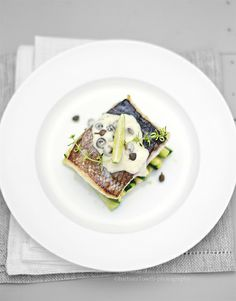 crispy sea bream fillet with creamy lime, capers and lemon thyme sauce www.pane-burro.blogspot.it