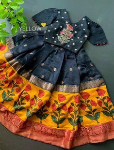 Kids Indian Wear, Kids Ethnic Wear, Baby Frocks Designs, Kids Frocks Design, Baby Girl Dresses Diy, Girls Dresses, Kids Dress Collection, Langa Voni, Kids Blouse Designs