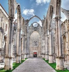 carmo convent lisbon the carmo Places In Portugal, Visit Portugal, Spain And Portugal, Portugal Travel, Portugal Trip, Places Around The World, Around The Worlds, Algarve, Travel Around