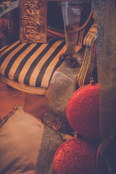 Pannonian X-MAS im Art Boutique Hotel Bürgerhaus in Rust #christmas #decoration #anniesloan #chalkpaint #anniesloanchalkpaint #timimoo #bürgerhaus #rust Annie Sloan, Boutique, Bed And Breakfast, Event Design, Indoor Courtyard, House, Boutiques