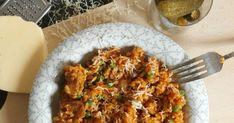 Většinou dělávám tohle české rizoto - jak někdo říká maso s rýží, jenom z mletého masa nebo z kuřecího. Tentokrát jsem měla navíc pláte... Fried Rice, Fries, Curry, Menu, Chicken, Ethnic Recipes, Fitness, Cooking, Menu Board Design