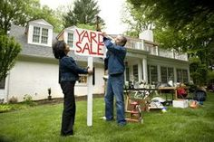 How to Have a Wildly Successful Yard Sale -- Display Your Goods So They Will Fly Off the Shelves thumbnail