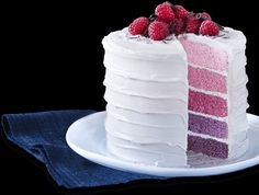 Bake a showstopper with Wilton's Easy Layer Cake Pan Set at Lakeland