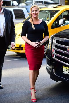 New York - August 23 2016 Amy Schumer. Amy Shumer, Curvy Fashion, Daily Fashion, Women's Fashion, Celebrity Outfits, Celebrity Style, Girl Celebrities, Celebs, Fashion Catalogue