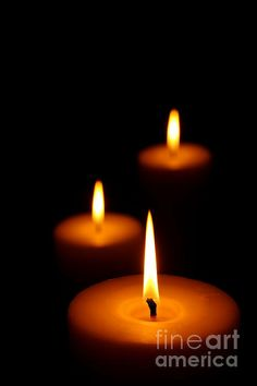 Most current Free Scented Candles photography Style Legitimate enjoyment and also contentment alternatively depend on how you need to do points than you Candle In The Dark, Candle In The Wind, Candle Art, Candle Lanterns, Advent Candles, Image Bougie, Burning Candle, Candle Making, Lights