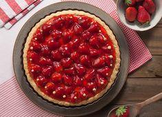 TORTA DE MORANGO Sweet Tooth, Sweets, Candy, Snacks, Desserts, Recipes, Food, 180, Juices