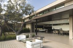 Dick Clark Architecture have recently completed the Skyline House in Austin, Texas.