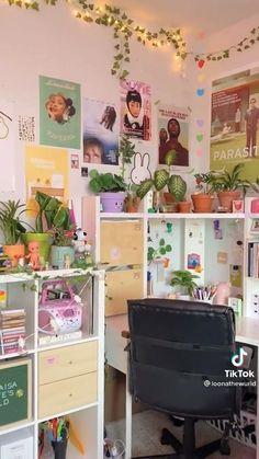 Room Design Bedroom, Girl Bedroom Designs, Room Ideas Bedroom, Home Room Design, Indie Bedroom Decor, Indie Room, Study Room Decor, Cute Room Decor, Chambre Indie