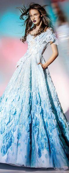 "Blanka Matragi ""Elements : Aqua"", Collection 2017 - Haute couture - [""Elements: Aqua"", 2017 collection->6454] - http://fr.orientpalms.com/Blanka-Matragi-6454"