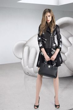 #PPCRUISE16 - PHILIPP PLEIN presents his 2015 Cruise Collection in New York on Thursday 4th June. The collection is a sophisticated marriage of signature non-conformism and high cultural references. Classic waisted evening coats and A-line dresses, elega