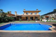 Prachtige villa in rustige omgeving, met zwembad en barbeque