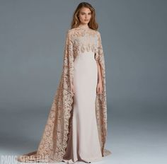 Simple yet extremely elegant. Could be a great 'coat' with any elegant dress.
