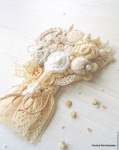 """Купить Текстильная брошь """"Весенний букет"""" (белый,серый,бежевый) - бежевый, подарок, романтичная брошь"""