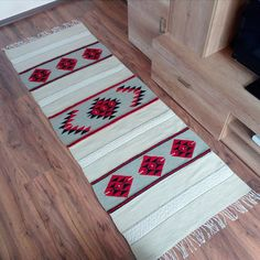 White, red and black handwoven rug, boho rug, handwoven floor rug, white area ru. White Rug, White Area Rug, Loom Patterns, Crochet Patterns, Motif Navajo, Macrame Purse, Kilim Rugs, Boho Rugs, Rug Cleaning