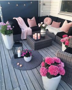 , For those who value plants and want to include them in their home, we've put together these balcony garden design ideas for inspiration. , 30 Small Cozy Balcony Garden Ideas You Should Look Patio Garden Ideas On A Budget, Diy Patio, Backyard Patio, Backyard Ideas, Backyard Retreat, Diy Garden, Backyard Decorations, Budget Patio, Garden Projects